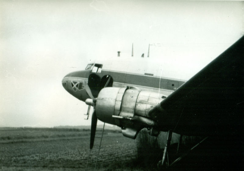 vliegtuig cirkelt rond