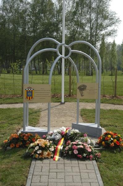 Monument 609 Sqn