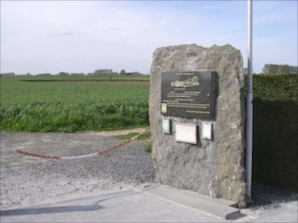 Monument voor bemanning B-17G 42-38123 To Hell or Glory
