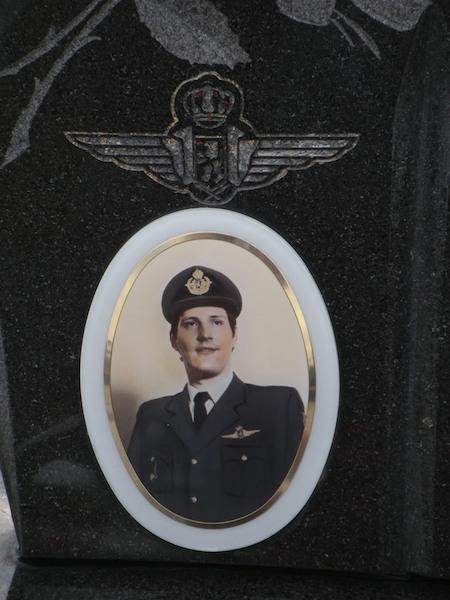 Graf O/Lt instructeur Erwin Mommens, Siai-Marchetti ST05