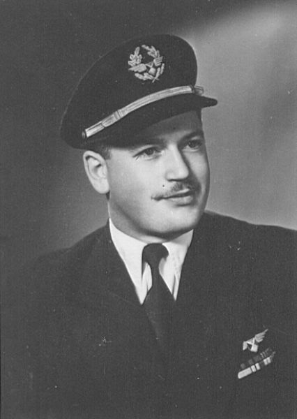 Graf Cdt Stephan Stolz, DC-6 OO-SDB