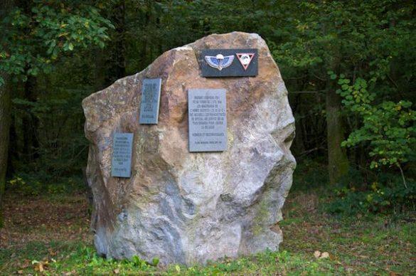 SAS-momument, herdenkt ontmoeting tussen verzet en para's SAS