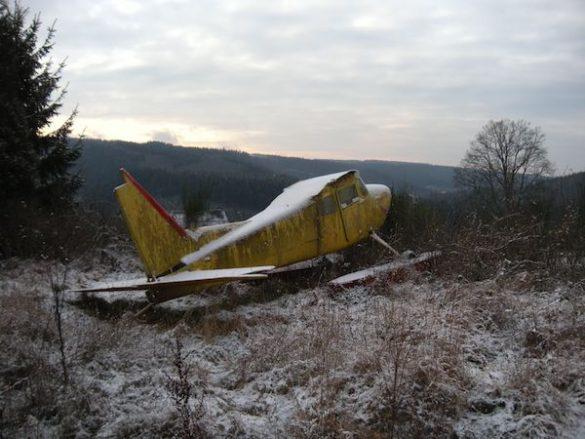 Wrak Cessna uitgerust met vlotters