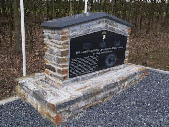 Monument pour la 326th Airborne Medical Company du 101th Airborne Division