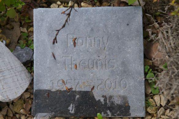 Gedenkplaten voor Johny Renckens en Ronny Theunis