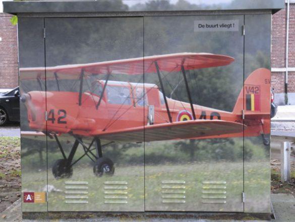 Luchtvaartfoto's op nutsverdeelkast