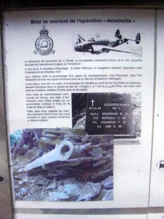 Monument voor bemanning van 161 Sqn Hudson T9463 MA-L