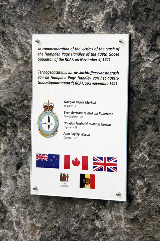 Monument voor bemanning Hampden AE438EQ-N