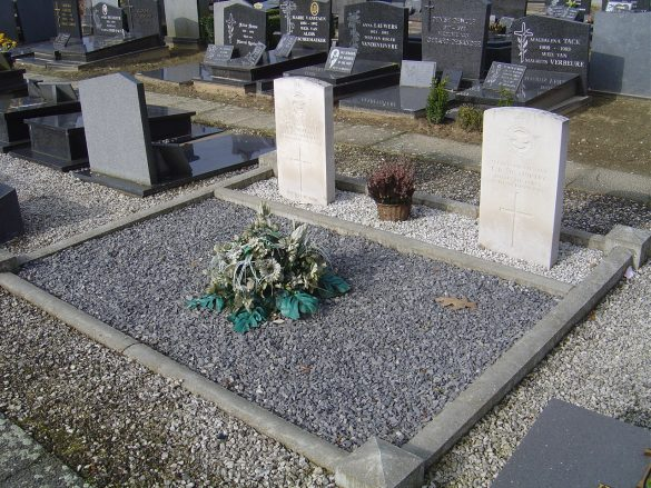 Graven S/Lt McMurtry en S/Lt Morgan