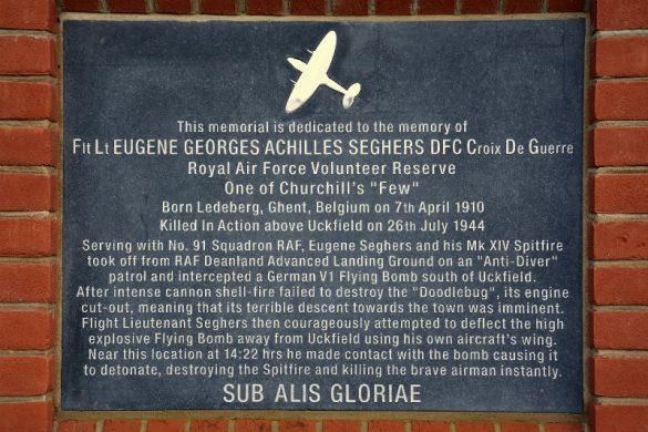 Gedenkteken voor F/L Eugene 'Strop' Seghers
