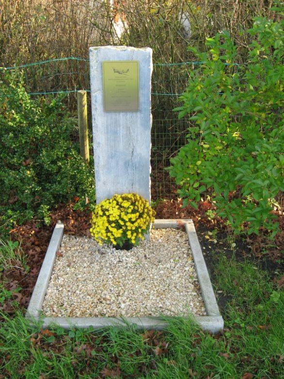 Gedenkteken voor Sgt Leslie Stride, Blenheim N3551 PZ-E
