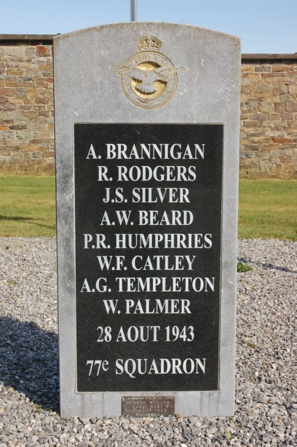 Gedenksteen voor de bemanning van Halifax JD371/KN-O