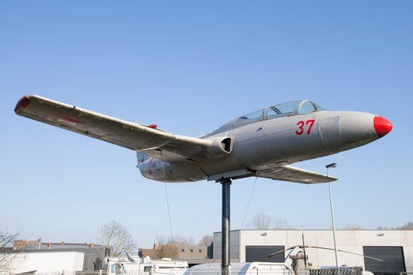 Aero L-29 Delfin blikvanger