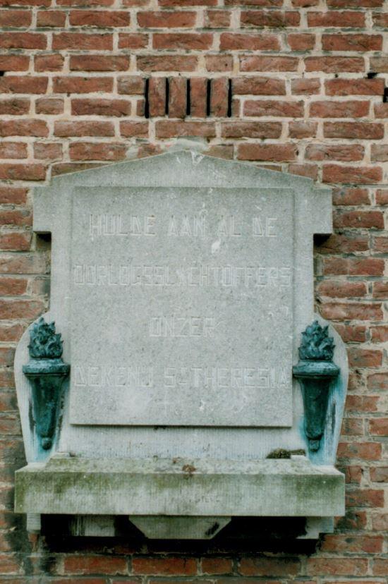 Gedenkplaat bombardement De Blokken