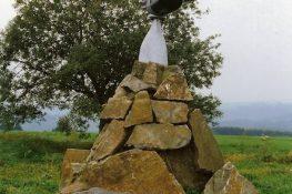 28 Be¦ürismenil2 monument LVanoverbeke.jpg|28D.jpg|28C.jpg