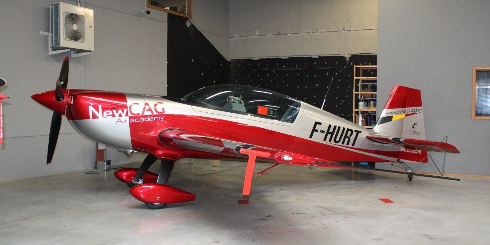 La plus récente addition à la flotte est un superbe Extra 330LX (F-HURT), qui permet désormais à Air Academy New CAG de proposer une formation « Upset Prevention and Recovery Training » (UPRT).